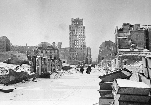 Warszawa po wyzwoleniu z okupacji, 1945 rok  - Sputnik Polska