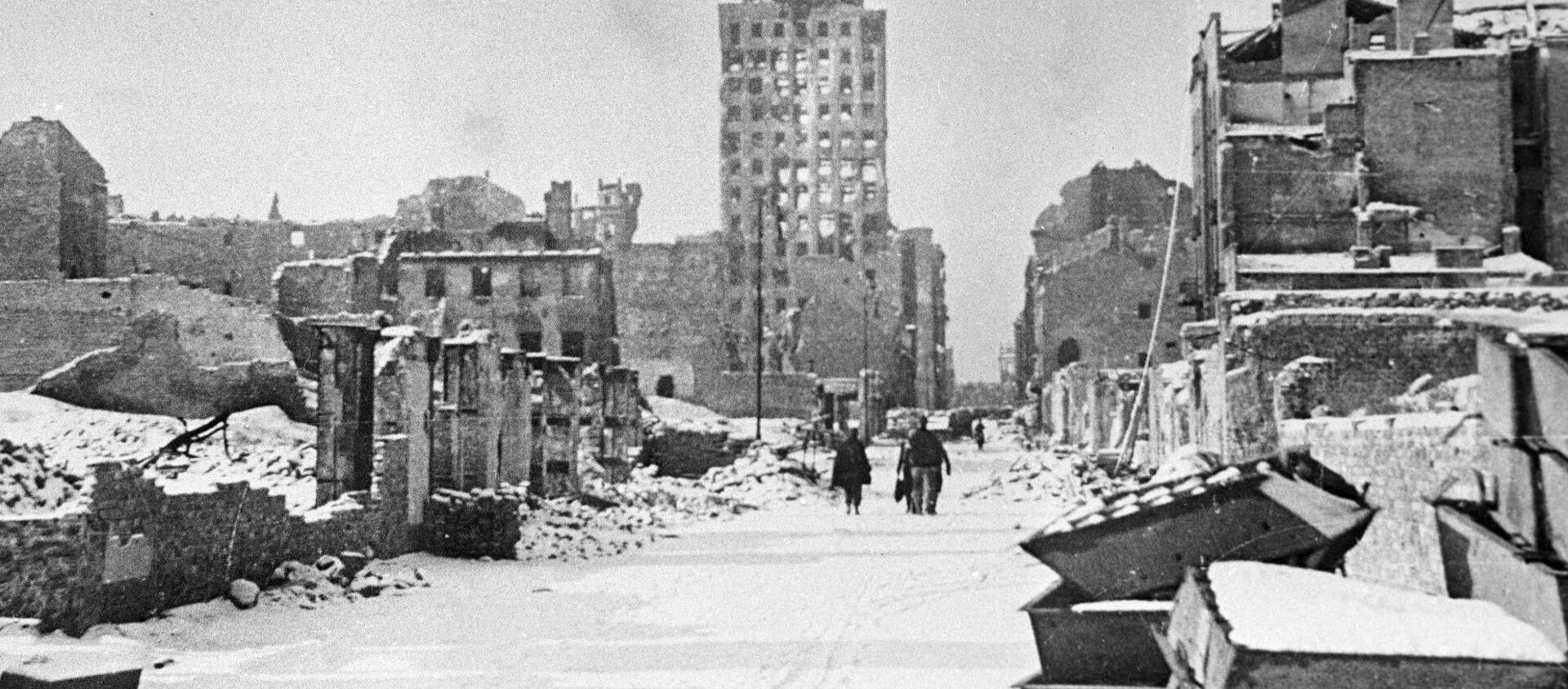 Warszawa po wyzwoleniu z okupacji, 1945 rok  - Sputnik Polska, 1920, 17.01.2020