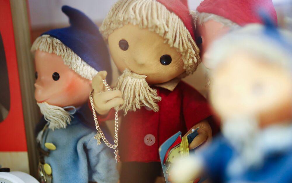 Zabawki na wystawie w Muzeum NRD w Pirnie, Niemcy.