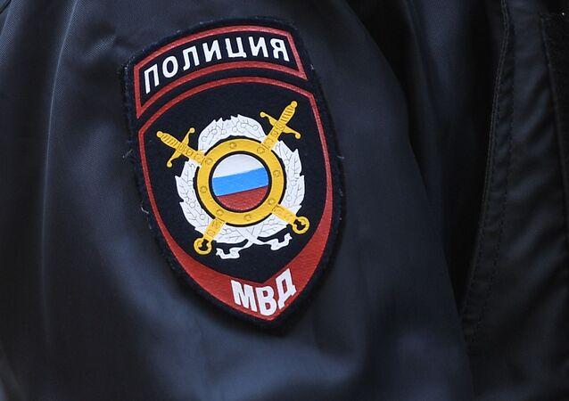 Naszywka na rękawie policjanta