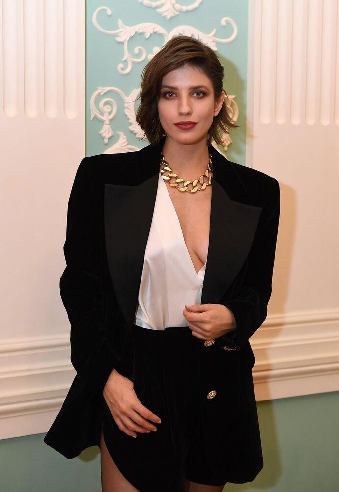 Aktorka Anna Czipowskaja przed rozpoczęciem ceremonii rozdania nagród czasopisma Glamour Kobieta roku - 2019