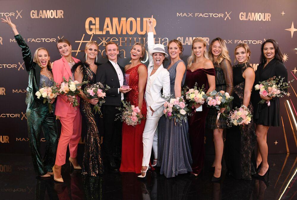 Sportowcy reprezentacji Rosji w pływaniu synchronicznym, zwycięzcy w nominacji Zespół roku po ceremonii rozdania nagród czasopisma Glamour Kobieta roku - 2019