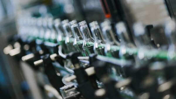 Rozlewnia wódki w mieście Szuja w obwodzie iwanowskim - Sputnik Polska