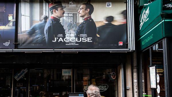 Plakat z filmu Oficer i szpieg w reż. Romana Polańskiego - Sputnik Polska