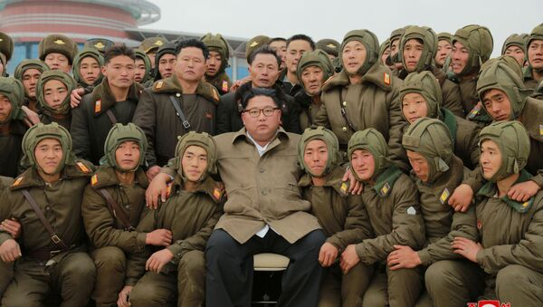 Przywódca Korei Północnej Kim Dzong Un podczas ćwiczeń Sił Powietrznych i Sił Obrony Powietrznej w Korei Północnej - Sputnik Polska