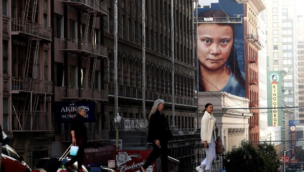 Портрет шведского климатического активиста Греты Тунберг на стерне дома в Сан-Франциско, Калифорния - Sputnik Polska
