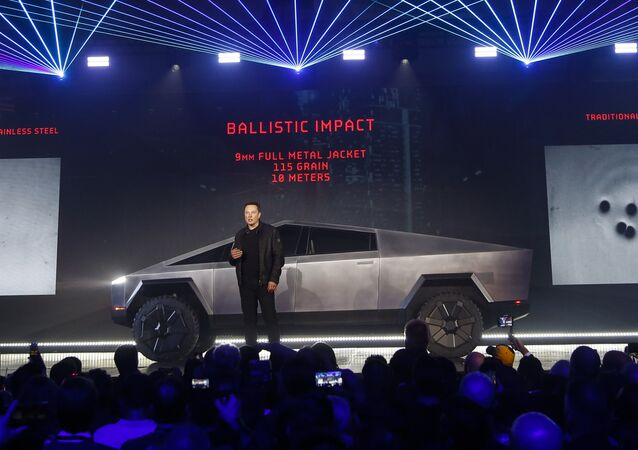 Założyciel Tesli Elon Musk podczas prezentacji elektrycznego pikapa Cybertruck w Los Angeles w Kalifornii