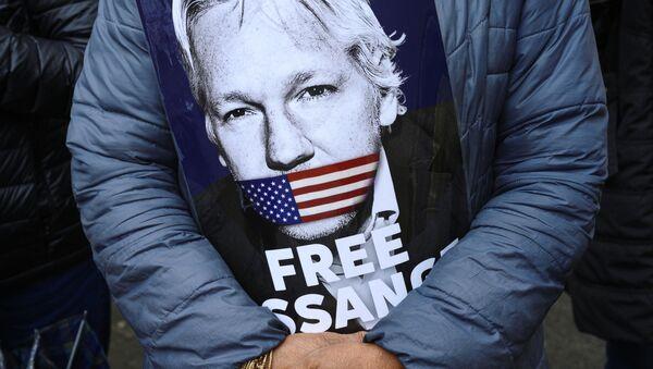 Akcja poparcia Juliana Assange'a w Londynie - Sputnik Polska