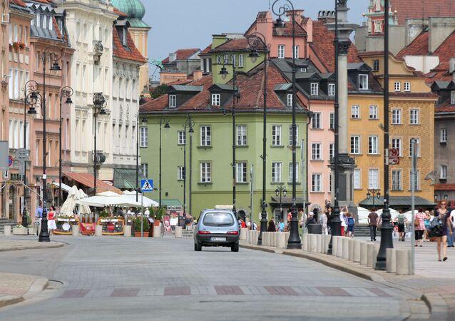 Ulica Krakowskie Przedmieście w centrum Warszawy