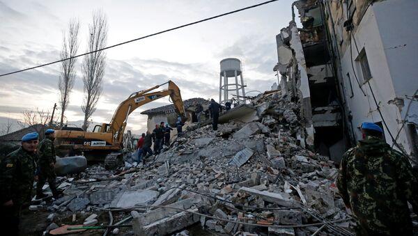 Zburzony w wyniku trzęsienia ziemi dom w Albanii - Sputnik Polska