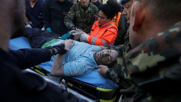 Ofiary trzęsienia ziemi w Albanii - Sputnik Polska