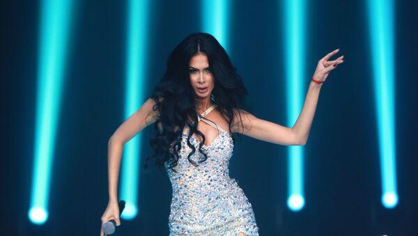 Występ piosenkarki Egine podczas finału międzynarodowego konkursu Miss Fashion 2019  GODDESS OF THE UNIVERSE w Moskwie  - Sputnik Polska