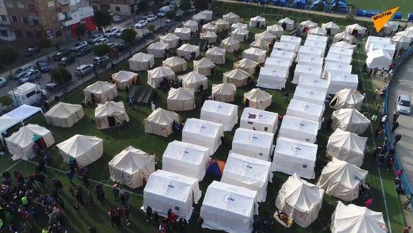 Albania: obóz namiotowy dla ofiar trzęsień ziemi  - Sputnik Polska