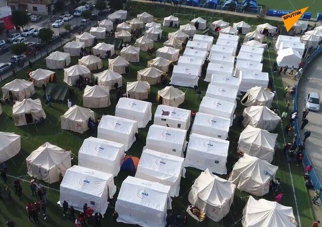 Albania: obóz namiotowy dla ofiar trzęsień ziemi