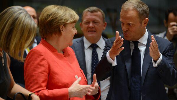 Donald Tusk i Angela Merkel - Sputnik Polska