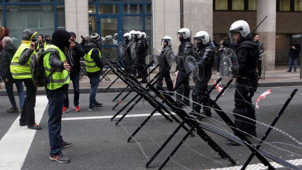 Protest żółtych kamizelek w Brukseli - Sputnik Polska