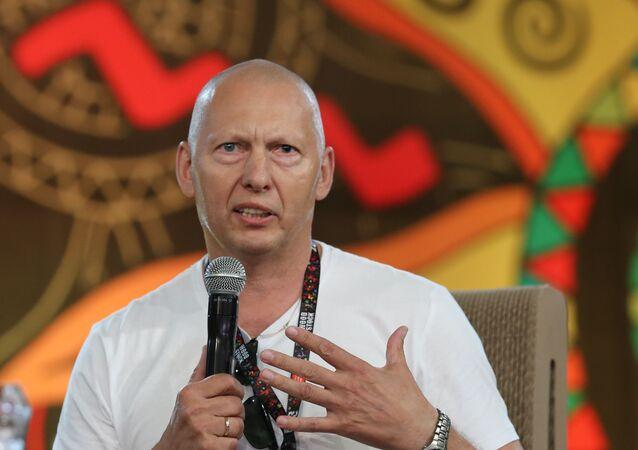 Generał w rezerwie Mirosław Różański na festiwalu Woodstock