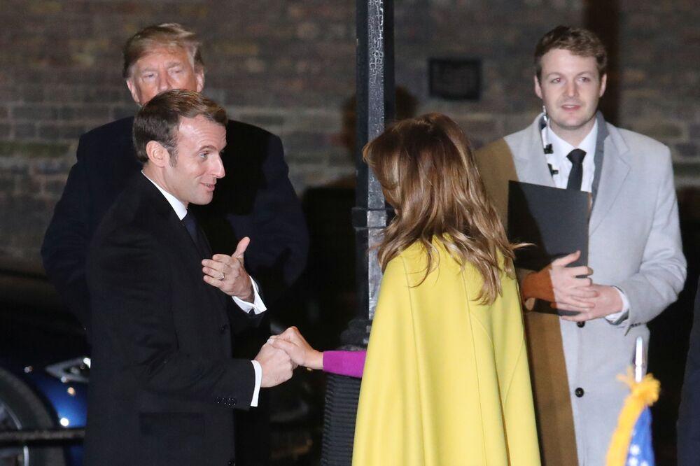 Melania Trump rozmawia z prezydentem Francji w Londynie przed rozpoczęciem jubileuszowego szczytu NATO