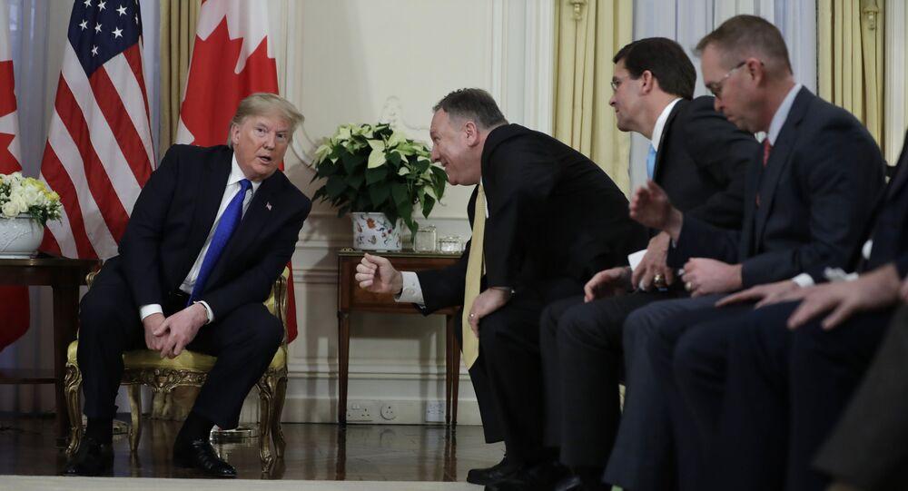 Prezydent USA podczas spotkania z Mike Pompeo i Justin Trudeau w Londynie