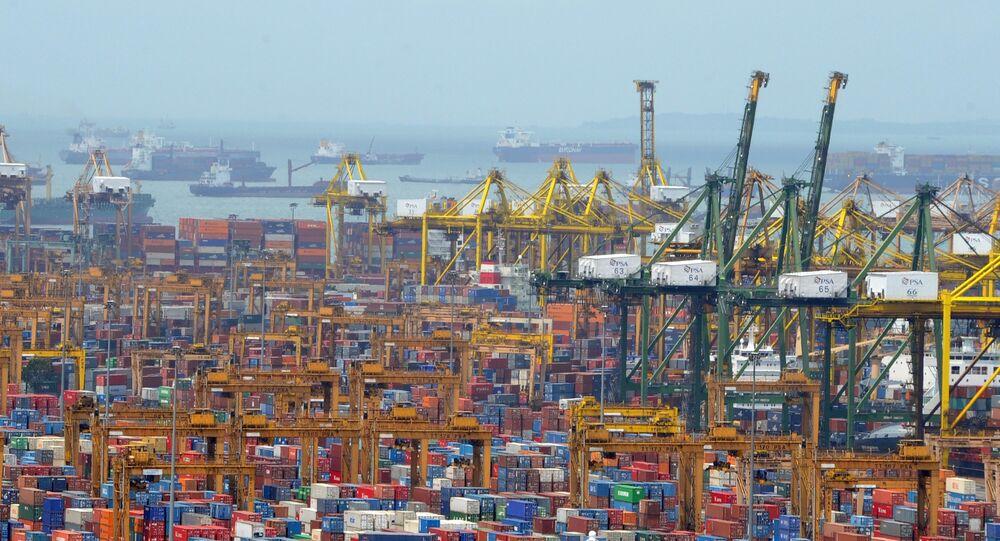 Panorama portu kontenerowego w Singapurze