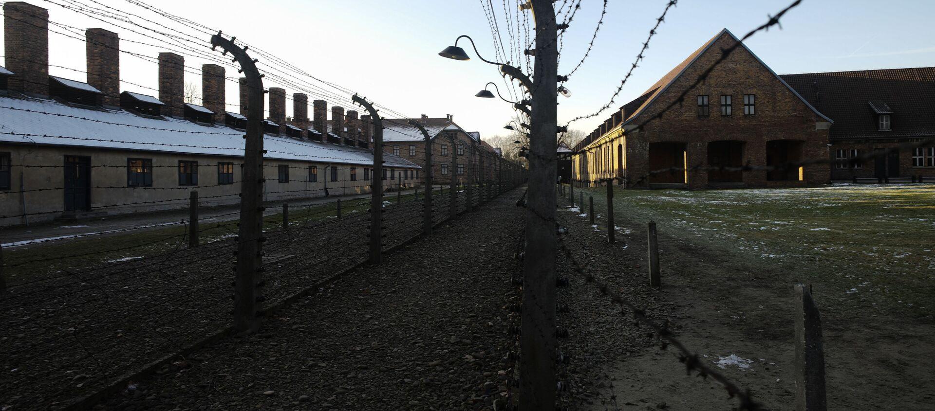 Angela Merkel po raz pierwszy odwiedziła obóz zagłady Auschwitz-Birkenau - Sputnik Polska, 1920, 17.04.2021