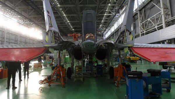Myśliwiec MiG-35 w zakładzie Łuchowickiej Fabryki Lotniczej im. Woronina - Sputnik Polska