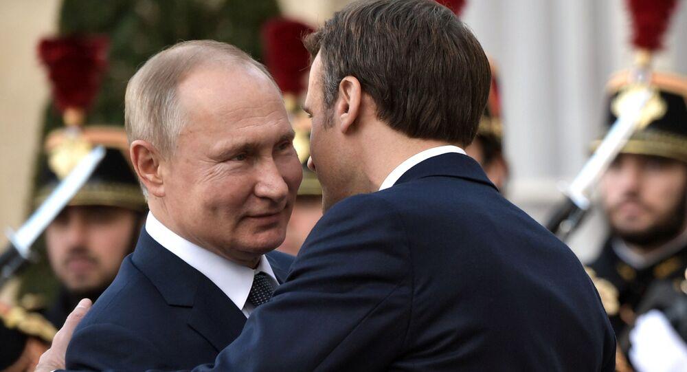 Putin i Macron prowadzą dwustronne rozmowy w Paryżu.
