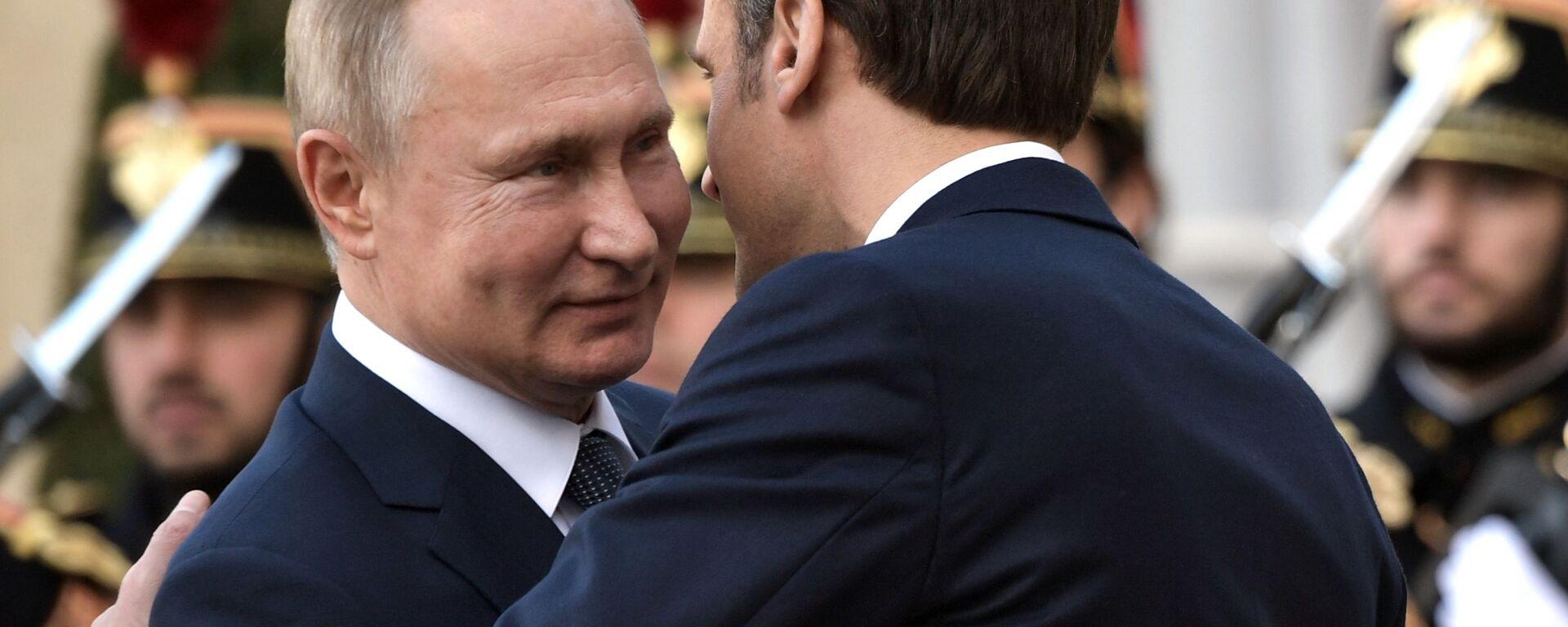 Putin i Macron prowadzą dwustronne rozmowy w Paryżu - Sputnik Polska, 1920, 25.06.2021