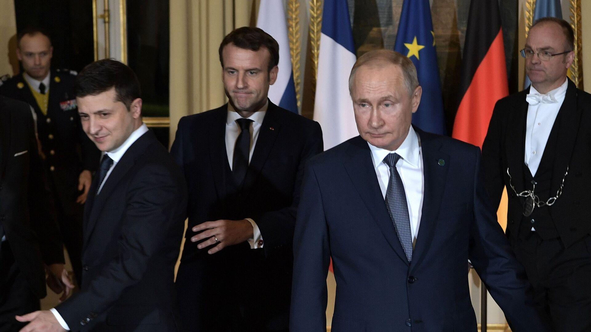"""Szczyt """"normandzkiej czwórki"""" w Paryżu. Wołodymyr Zełenski, Emmanuel Macron i Władimir Putin. - Sputnik Polska, 1920, 13.07.2021"""