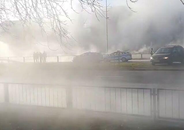 Awaria rury z ciepłą wodą w Warszawie