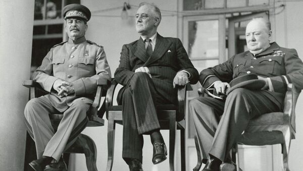 Winston Churchill, Franklin D. Roosevelt i Józef Stalin w Teheranie - Sputnik Polska