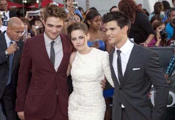 Kristen Stewart, Robert Pattinson i Taylor Lautner w 2010 roku - Sputnik Polska