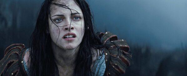 """Kristen Stewart w filmie """"Królewna Śnieżka i Łowca"""" - Sputnik Polska"""