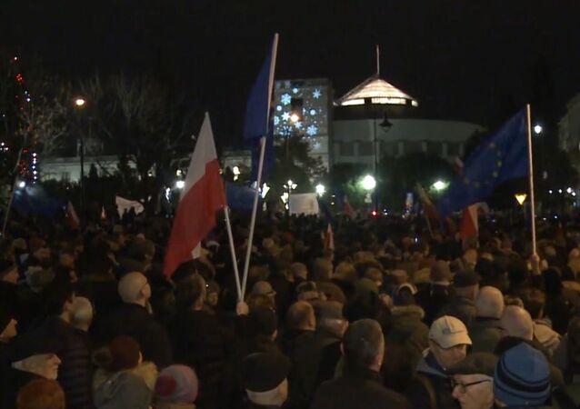 Warszawa: protesty przeciwko zmianom w sądownictwie
