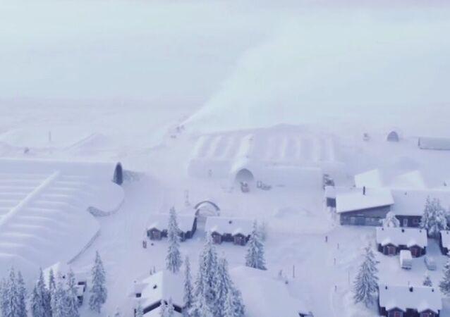 Hotel z lodu