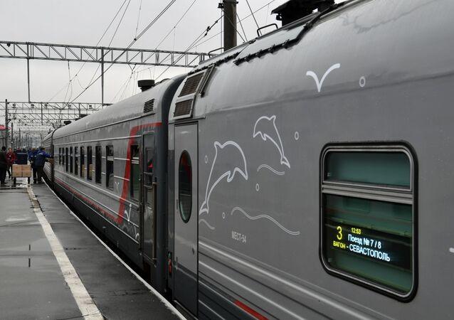 Pierwszy pociąg pasażerski wyruszył na Krym