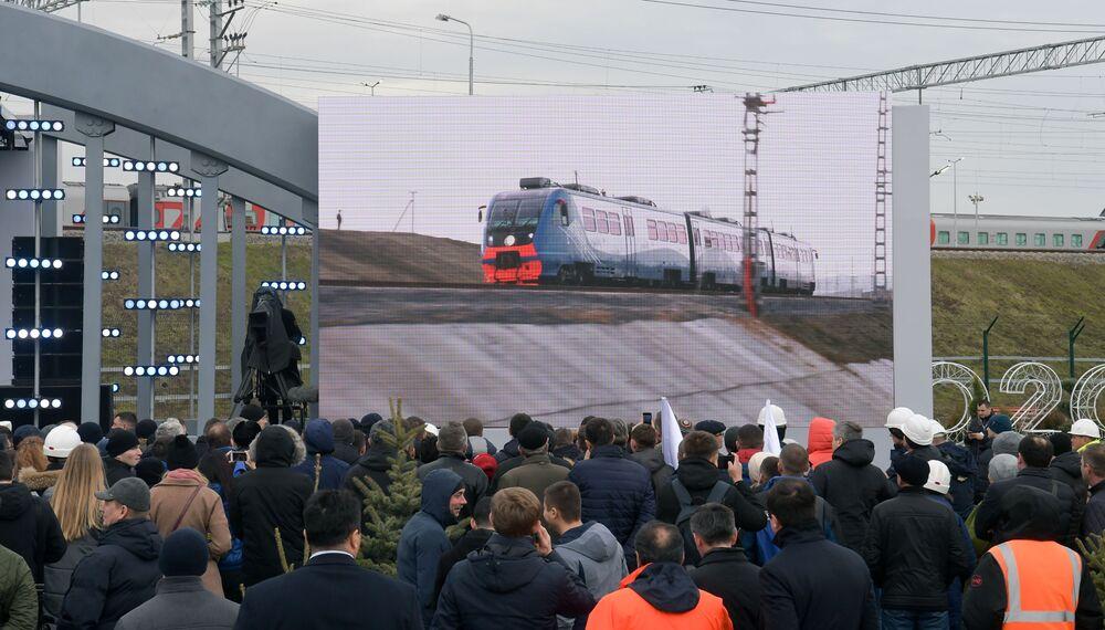 Transmisja ceremonii otwarcia ruchu kolejowego na Moście Krymskim