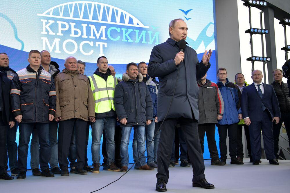 Władimir Putin na ceremonii otwarcia ruchu kolejowego na Moście Krymskim