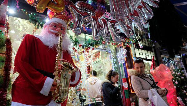 Dekoracje świąteczne w Stambule. - Sputnik Polska
