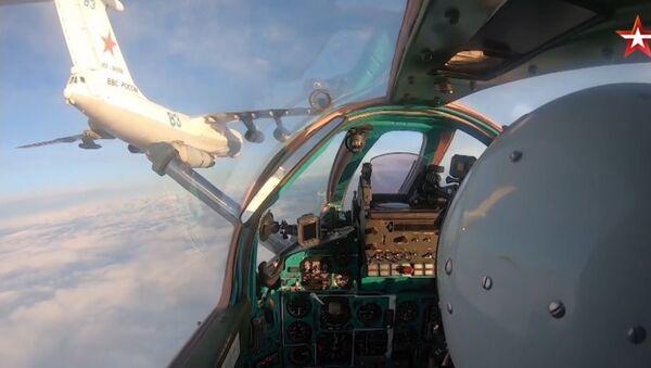 Tankowanie myśliwców 1 - Sputnik Polska
