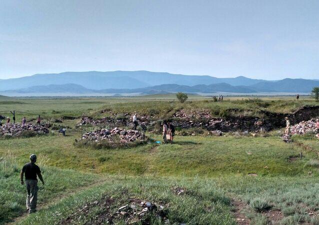 Kurhany w Rosyjskiej Dolinie Królów na Syberii