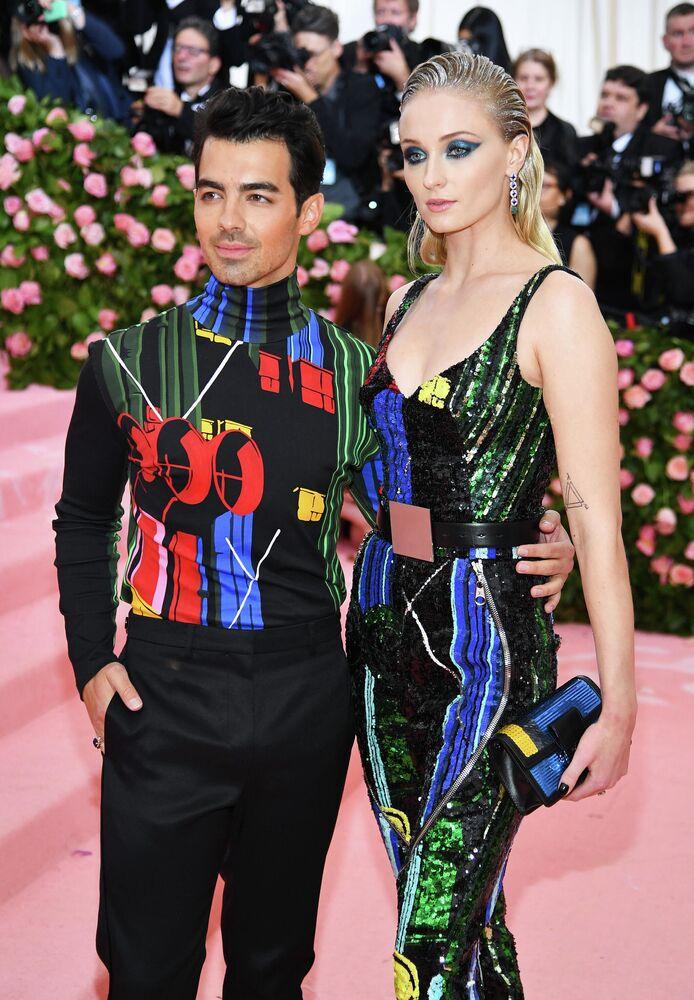 Piosenkarz Joe Jonas i aktorka Sophie Turner