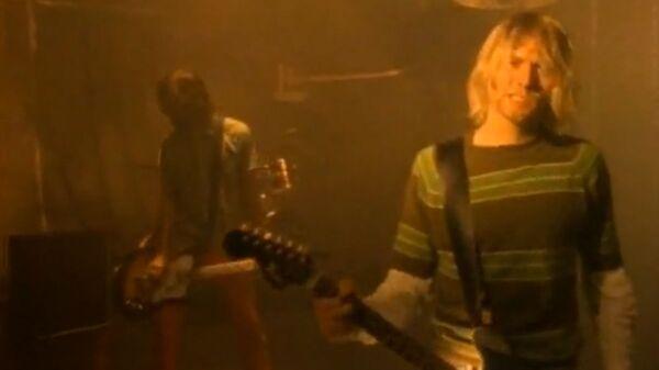 Kadr z teledysku Smells Like Teen Spirit - Sputnik Polska