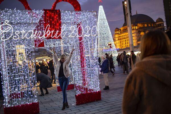 Iluminacje noworoczne w Stambule - Sputnik Polska