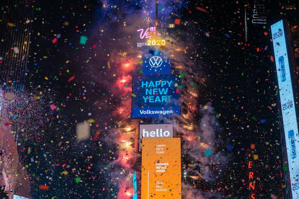 Obchody Nowego Roku na Times Square w Nowym Jorku