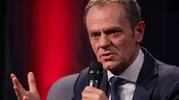 Były premier Polski, były szef Rady Europejskiej, przewodniczący Europejskiej Partii Ludowej Donald Tusk w czasie wystąpienia w Warszawie - Sputnik Polska