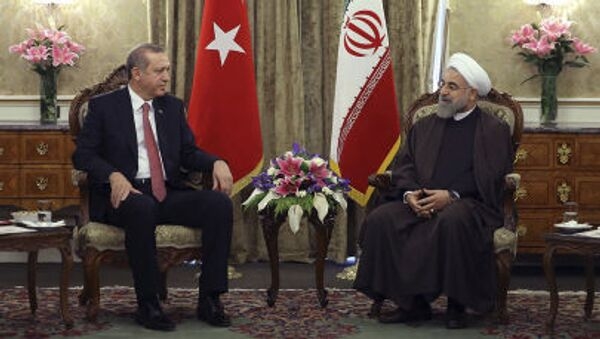 Prezydent Iranu Hasan Rouhani i prezydent Turcji Recep Tayyip Erdogan  - Sputnik Polska