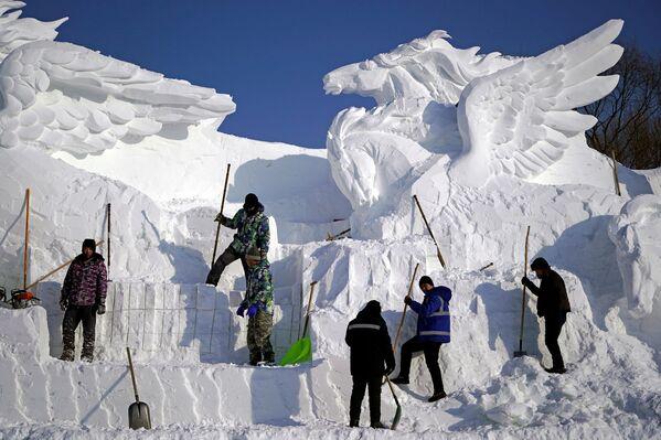 Międzynarodowy Festiwal Śniegu i Lodu w Chinach - Sputnik Polska