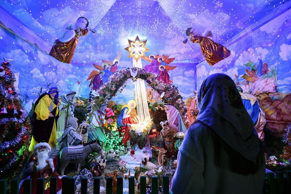 Świętowanie Bożego Narodzenia w rosyjskich miastach.