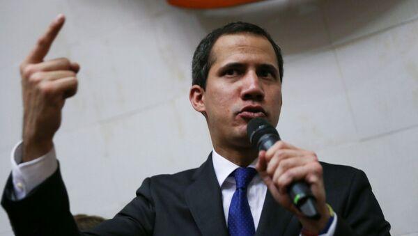 Lider opozycji Juan Guaido złożył przysięgę jako tymczasowy prezydent Wenezueli - Sputnik Polska